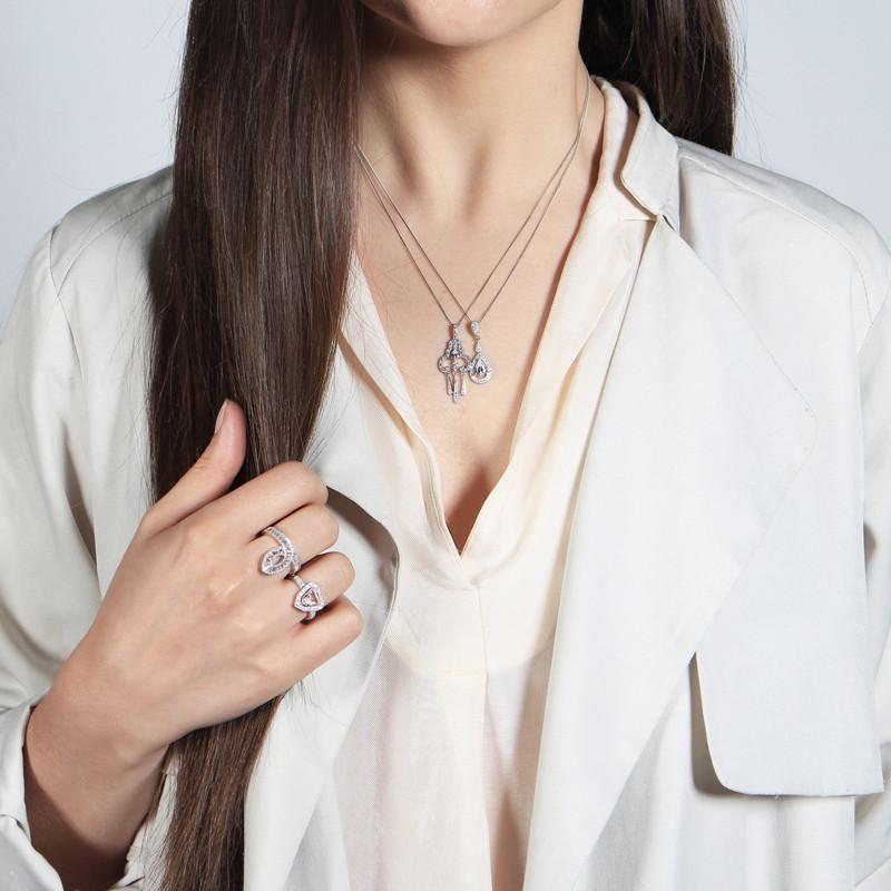 V Jewellery Margot Pendant in Silver (Metallic)