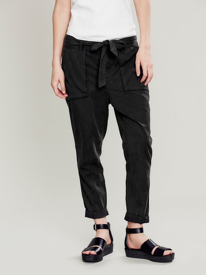 Free People Day To Night Tencel Pant in Black - Lyst