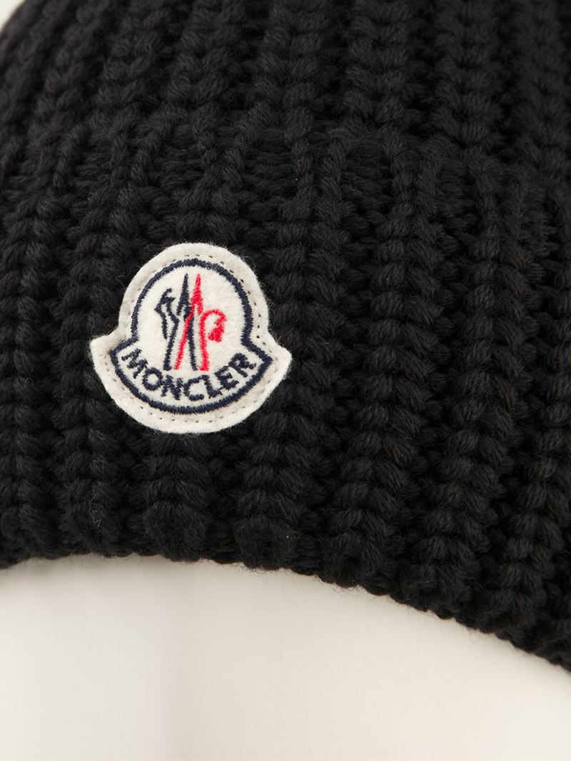 9610053f6b5 Moncler Ribbed Knit Beanie Hat in Black for Men - Lyst