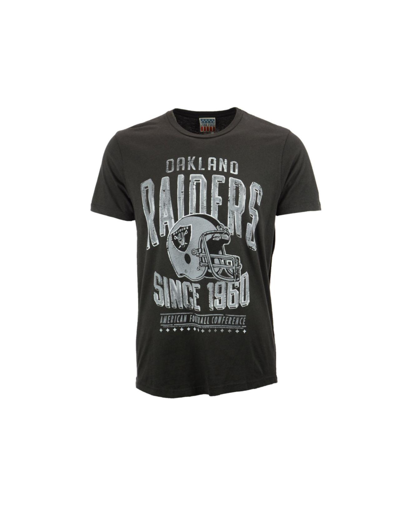 0e5ce3fec155 Lyst - Junk Food Men's Oakland Raiders Graphic T-shirt in Black for Men