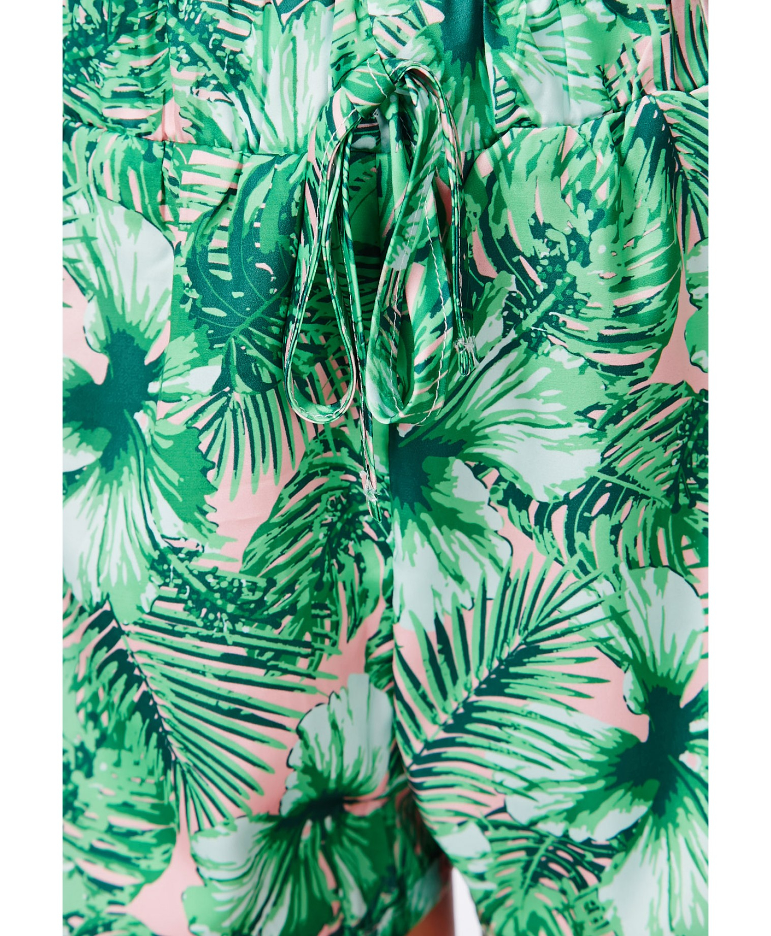 Missguided Charmine Tropical Print Shorts in Green