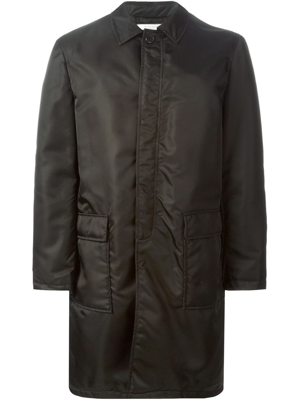 With a fatastic range of quilted jackets from Barbour; our protective and stylish quilted jackets for men are the best of the best on the market and are sure to satisfy your every need. Whether a shorter length or a more refined longer cut, a trench or overcoat can easily be dressed up or down.