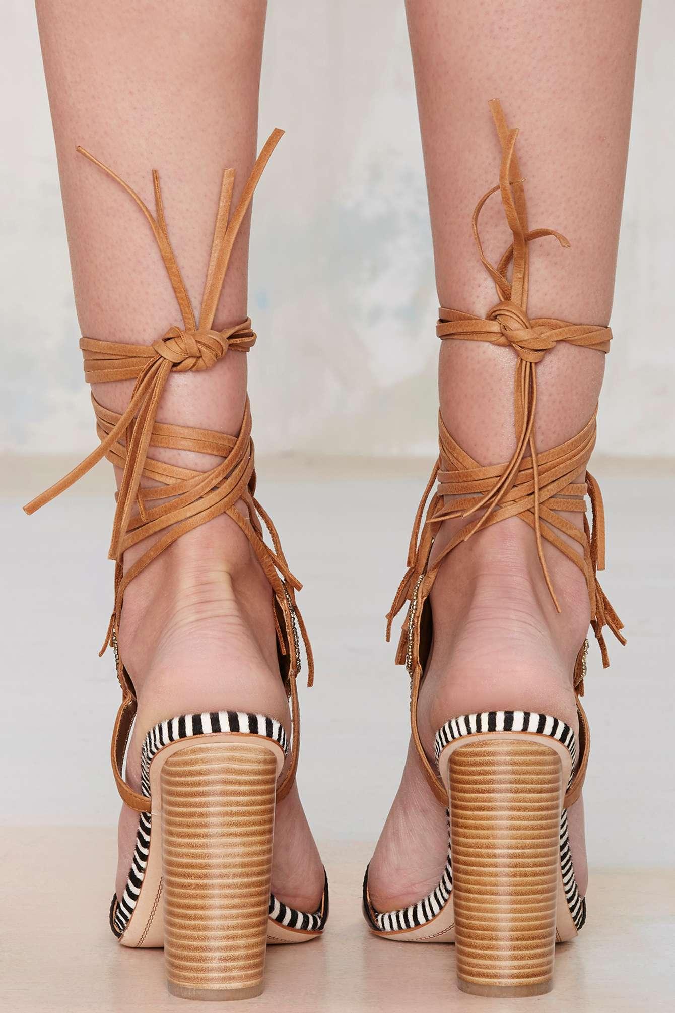 0da600979a58c Lyst - Nasty Gal Sam Edelman Yates Leather Sandal