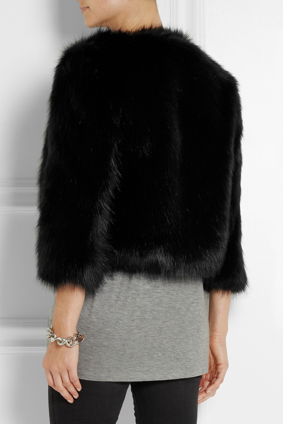 Feb 11,  · Luckily, though, faux fur exists for those who want the look of a fur jacket without the overwhelming sense of guilt (and empty bank account). And according to fashion shows and trend forecasts, fur is supposed to be big through