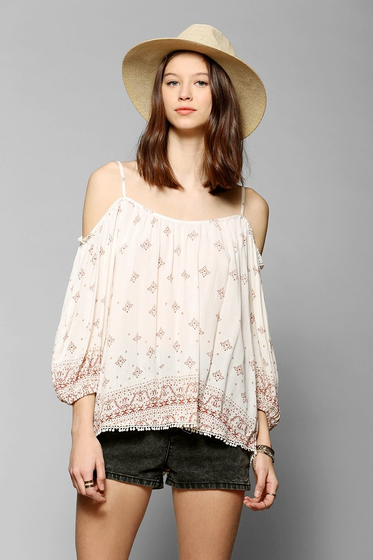 3e4c0fedb4a9f Lyst - Ecote Cold Shoulder Peasant Blouse in Natural