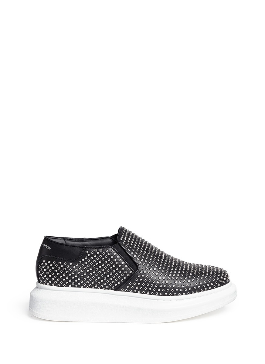 Alexander McQueen 'larry' Grommet Chunky Outsole Leather Sneakers in Black