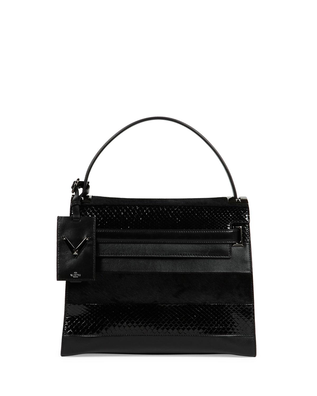 f0da7e73a17 Gallery. Previously sold at: Bergdorf Goodman · Women's Valentino Rockstud  Bags