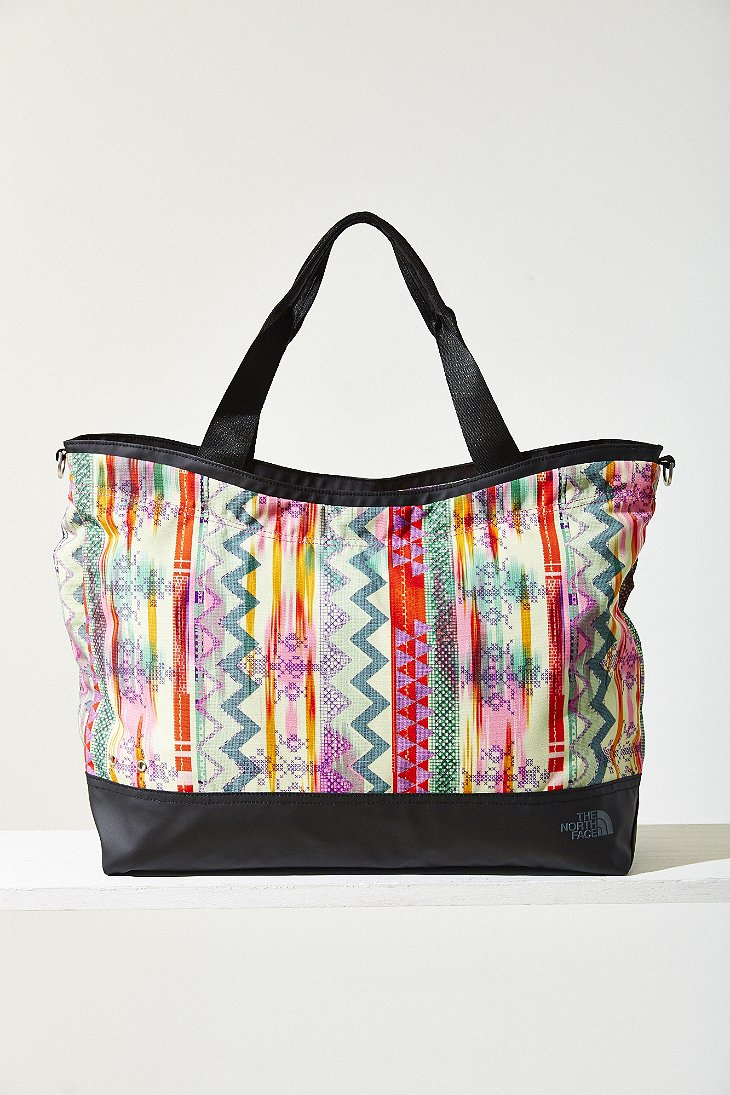 c9ed60c742 Gallery. Previously sold at  Urban Outfitters · Women s Gym Bags ...