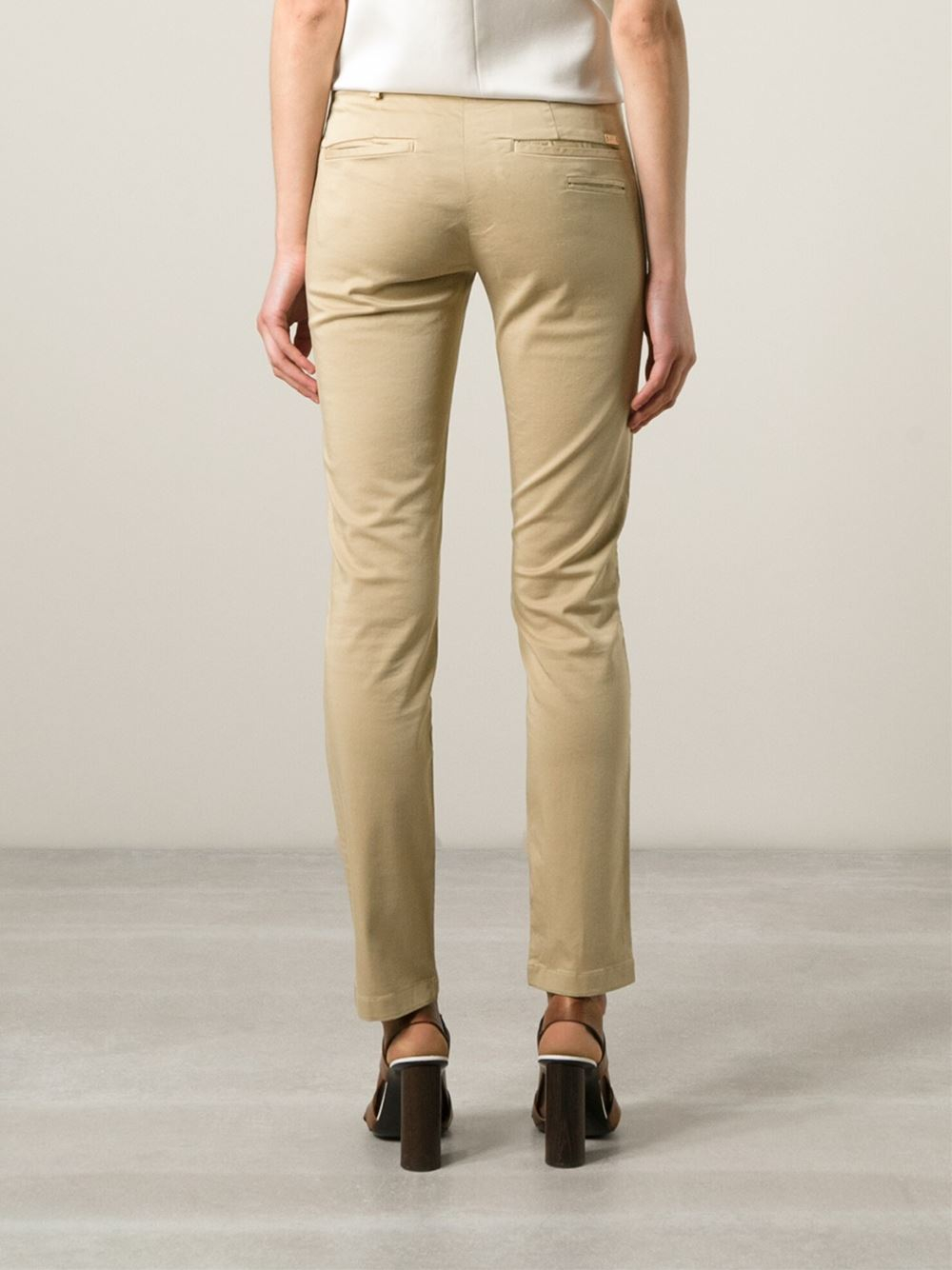 7 for all mankind 39 roxanne 39 slim chino trousers in natural. Black Bedroom Furniture Sets. Home Design Ideas