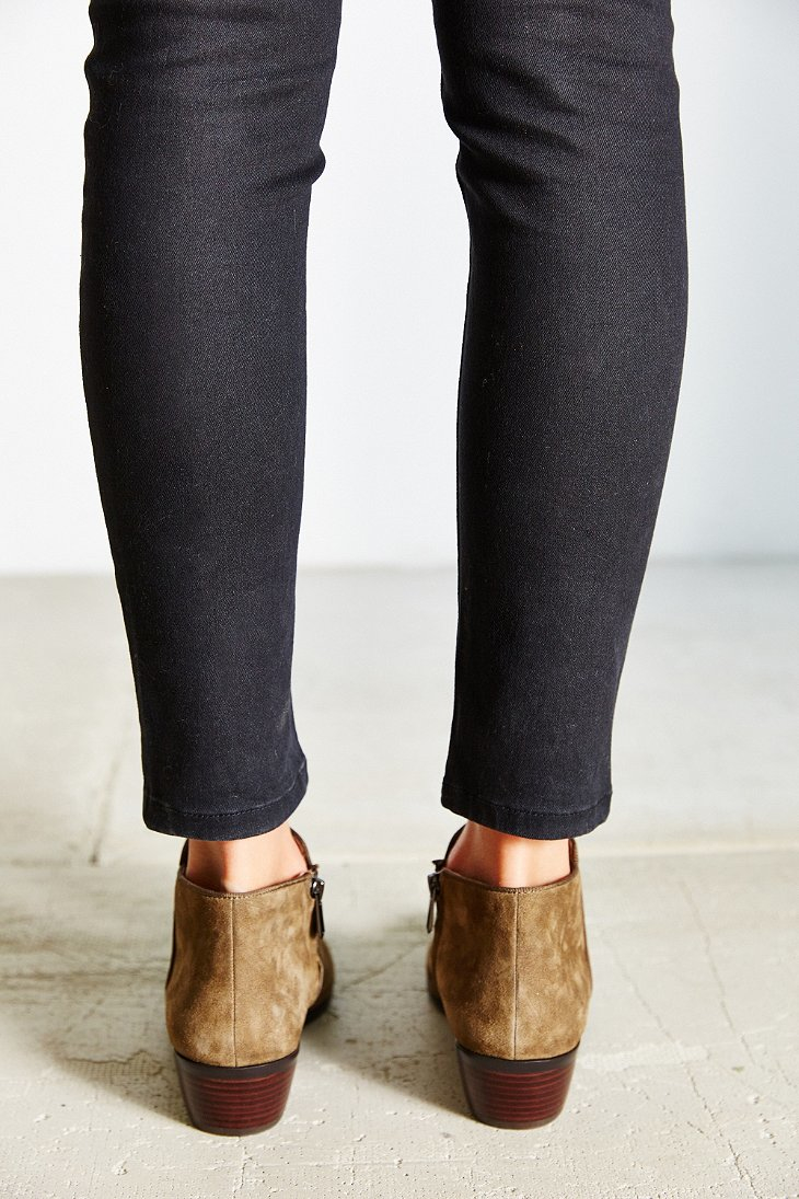 df4242b6ea3be7 Gallery. Previously sold at  Urban Outfitters · Women s Sam Edelman Petty  ...