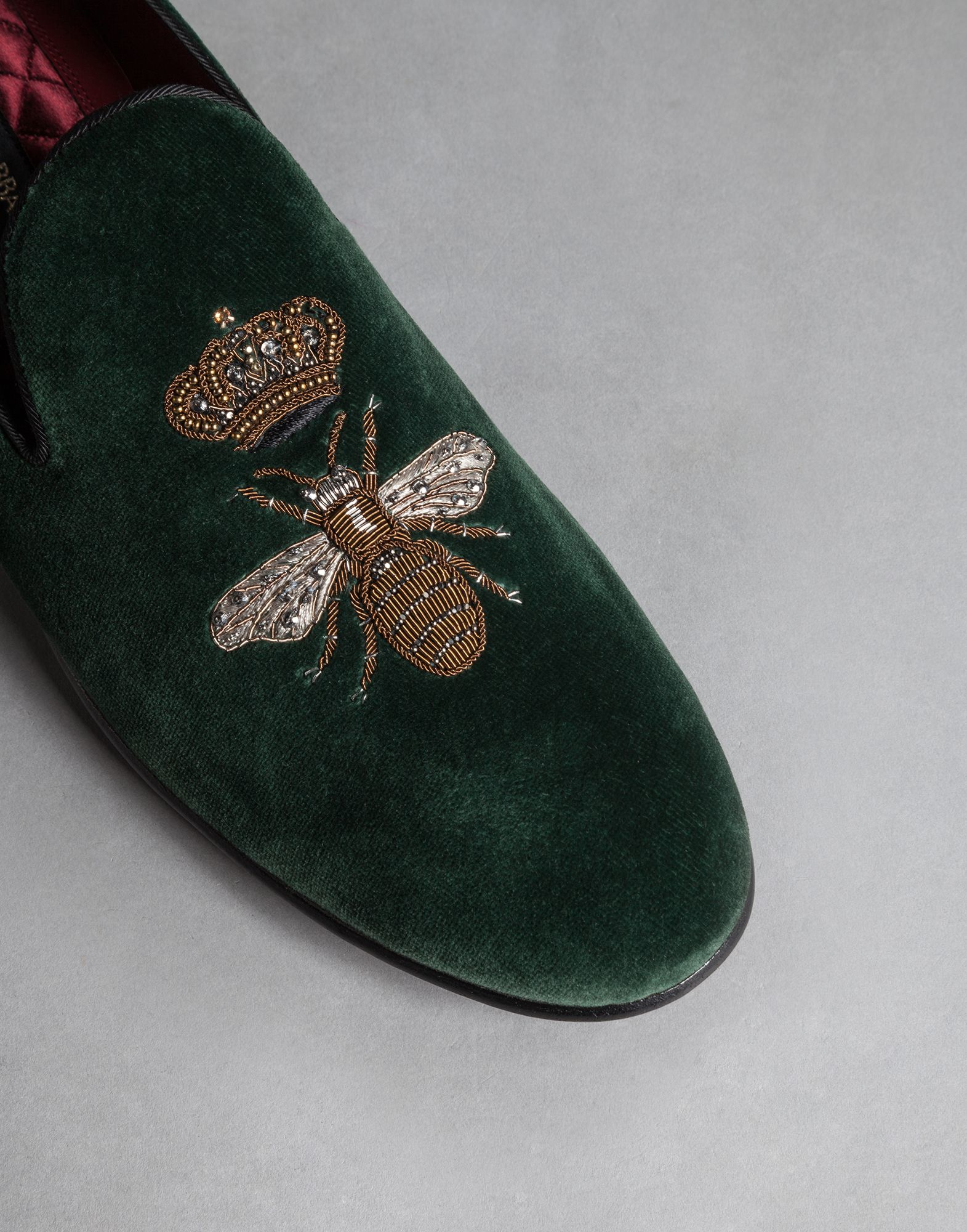 77a4bf249c Dolce & Gabbana Queen Bee Embroidered Velvet Milano Slippers in ...