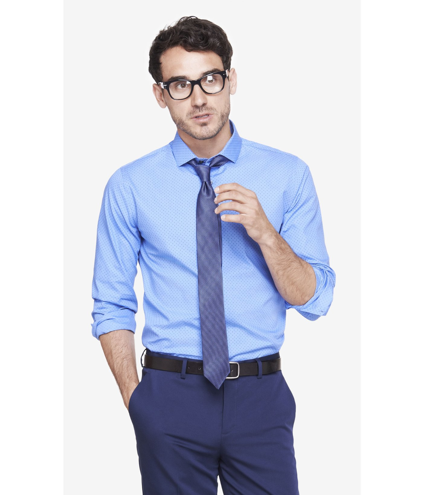 A dress shirt that doesn't fit isn't comfortable and doesn't look professional. Shop our 1MX and patterned dress shirts to try on our four favorite fits at Express. If the collar is too tight around your neck or there's gaps from pulling of buttons, go up a size or try a more relaxed fit.