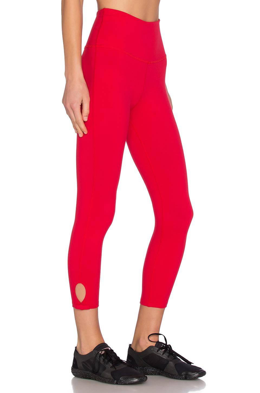 Beyond yoga X Kate Spade High Waist Bow Capri Legging in Red | Lyst