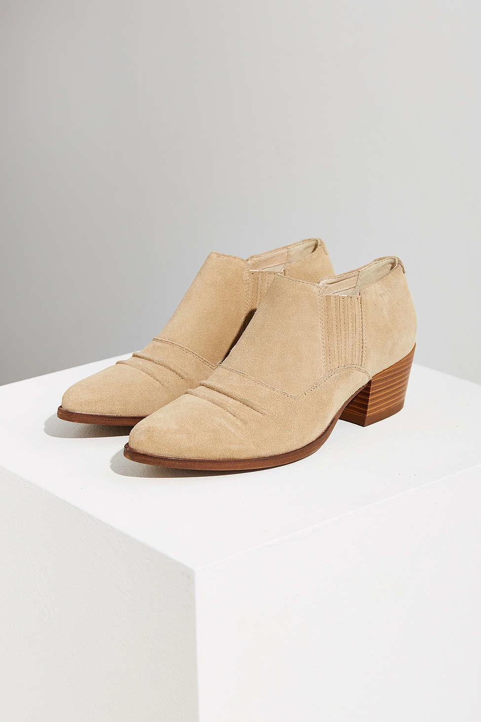 da32c0e5b35 Vagabond Natural Mandy Western Ankle Boot