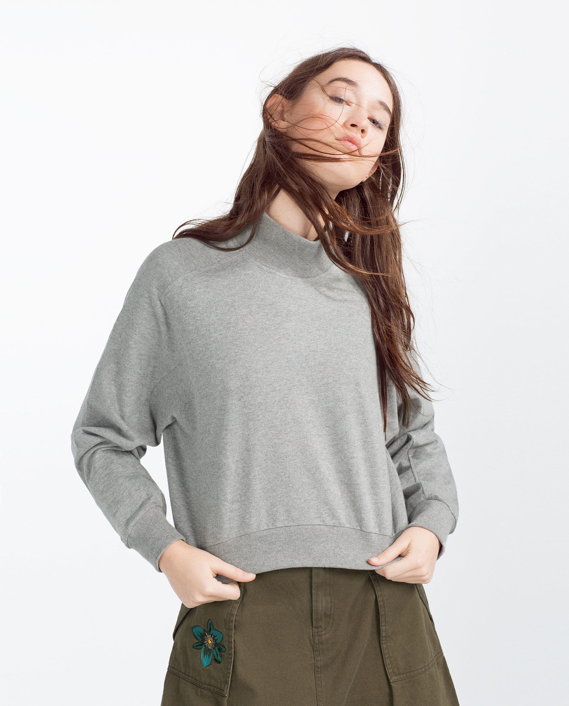 Zara Cropped Grey Sweater 84
