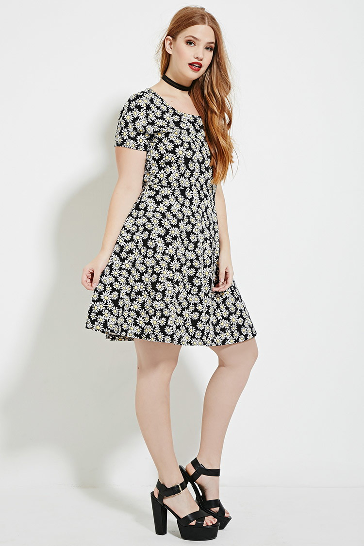 Plus Size Daisy Print Dress
