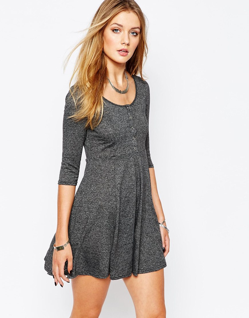 Girls Dresses: Skater Dresses & Skull Dresses for Girls Dress up and go out in one of these fashionable girls dresses. Skate into something chic with a skater dress.