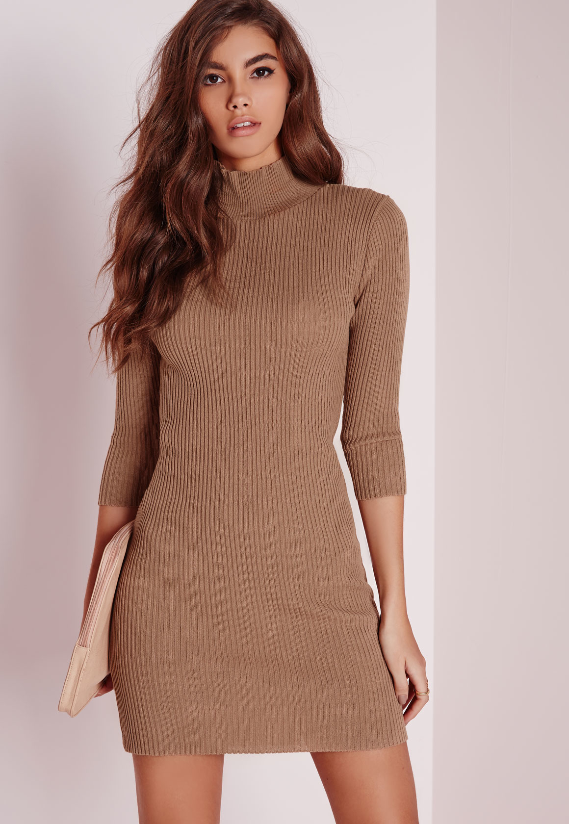Sweater Dresses Seeing you through from winter to summer, sweater dresses are the biggest trans-seasonal trend and boohoo's collection has got you covered, from casual sweater dresses to cable-knit maxi dresses for your next vacay.