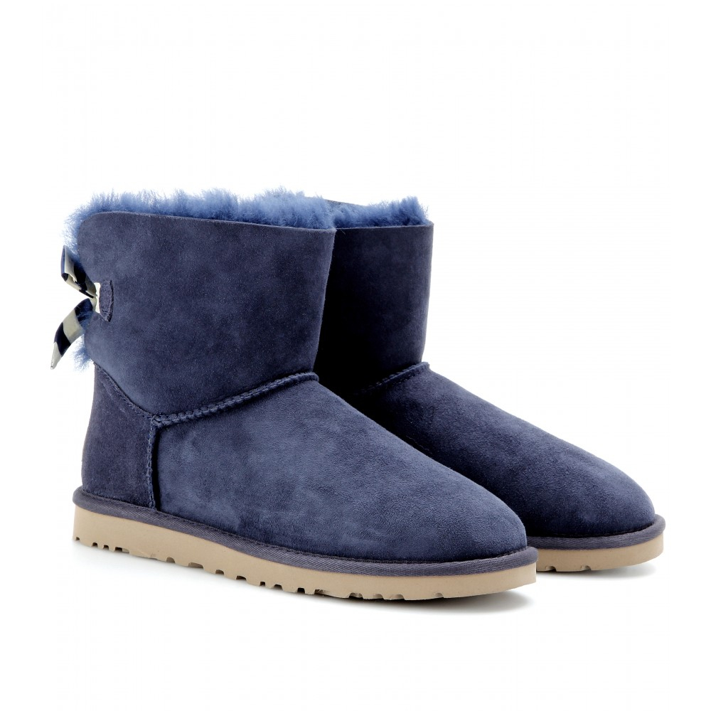 ugg mini bailey bow shearling boots in blue navy true to size european sizes lyst. Black Bedroom Furniture Sets. Home Design Ideas
