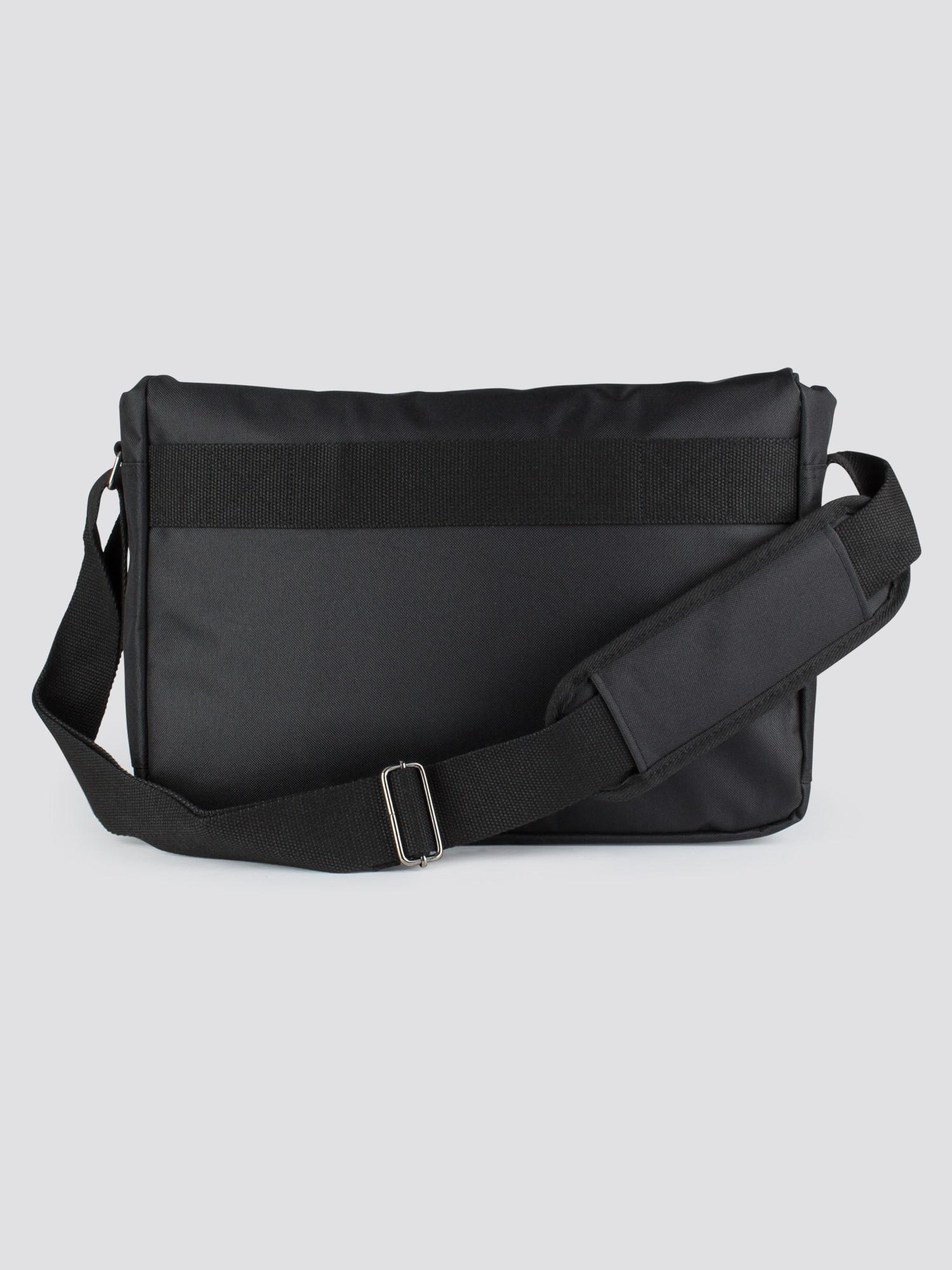 Ben Sherman City Range Stringer Messenger Bag in Black for Men - Lyst c3ca8ec3e943a