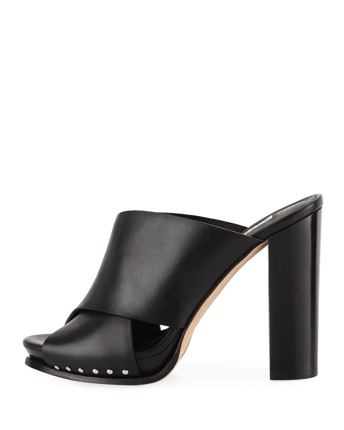 Black Shoes With Wooden Heel