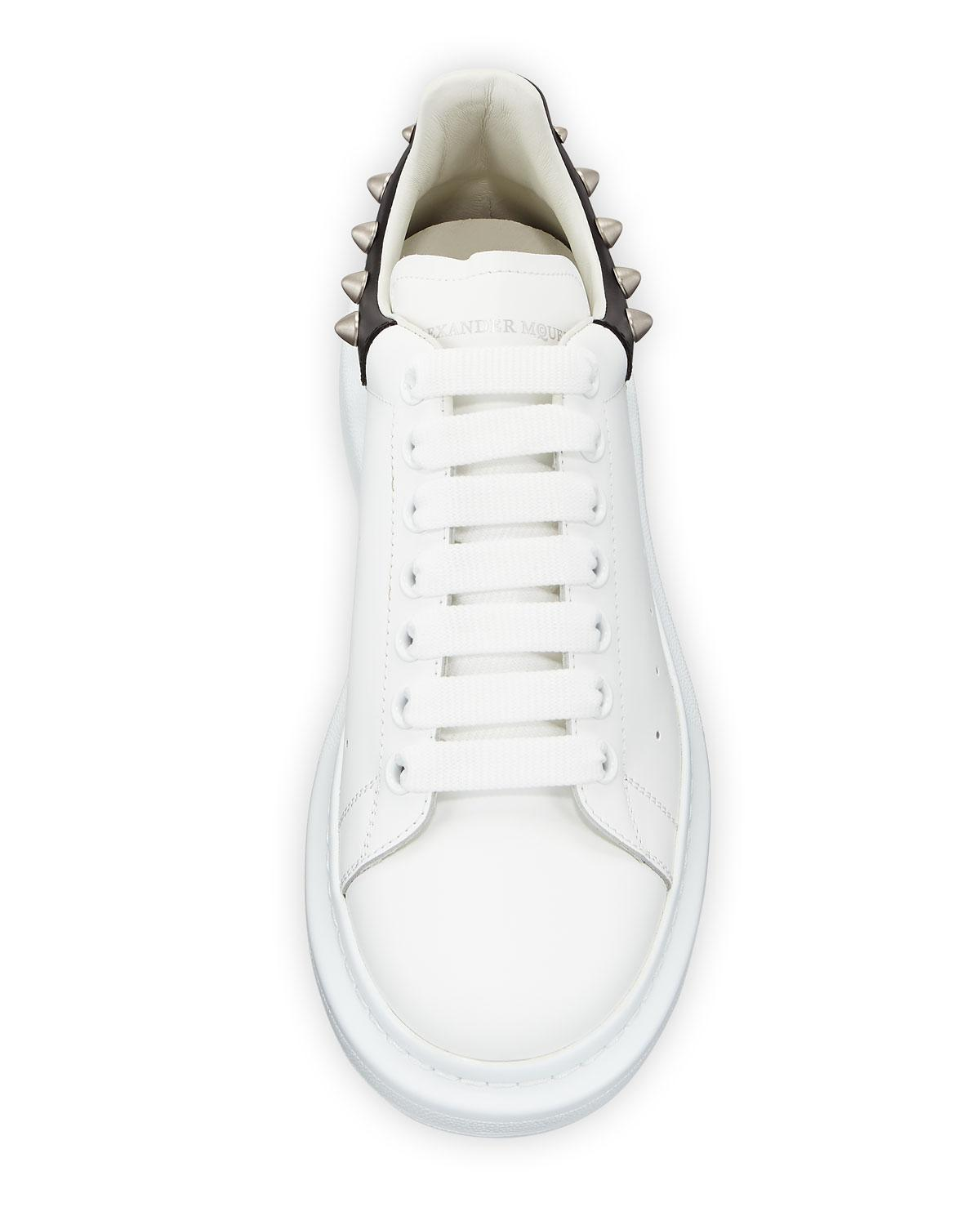 59b681f17d8b Alexander McQueen Men s Larry Leather Lace-up Platform Sneakers With Spiked  Trim in White - Lyst