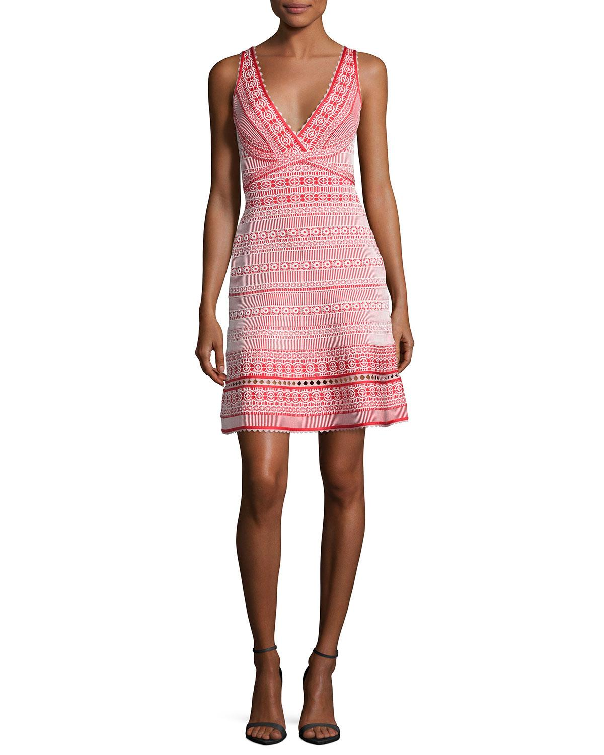 Herve Leger was launched by a French designerHerve Leger in , and made his name famous with body-conscious clothes favored by socialites and celebrities. The famous bandage dress is still as in demand today as it was in the 80s.