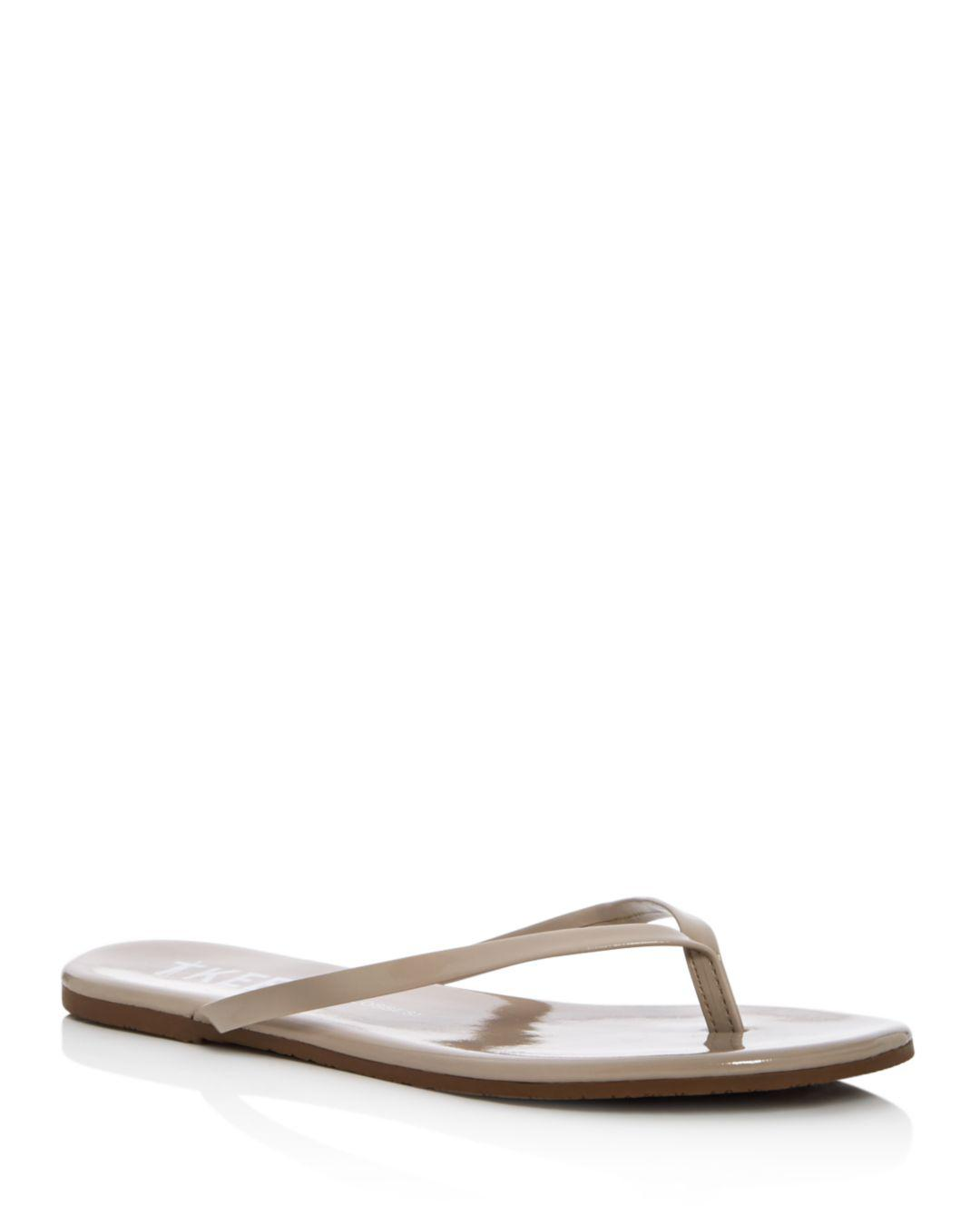 fcc075c03577b TKEES Women's Glosses Patent Leather Flip-flops in Natural - Lyst