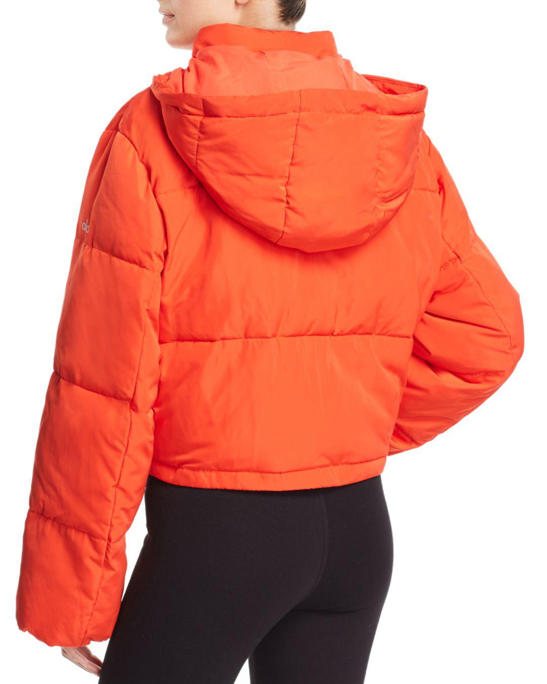 e833a093d1 Alo Yoga Introspective Cropped Puffer Jacket in Orange - Lyst
