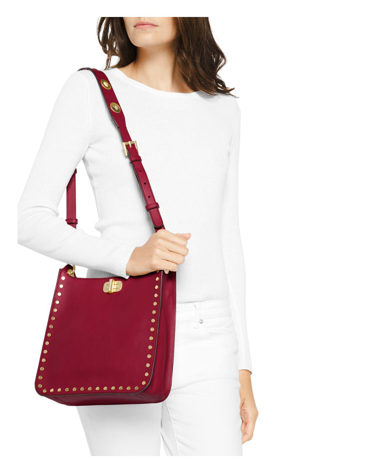 ec851f8799d342 Gallery. Previously sold at: Bloomingdale's · Women's Leather Messenger Bags