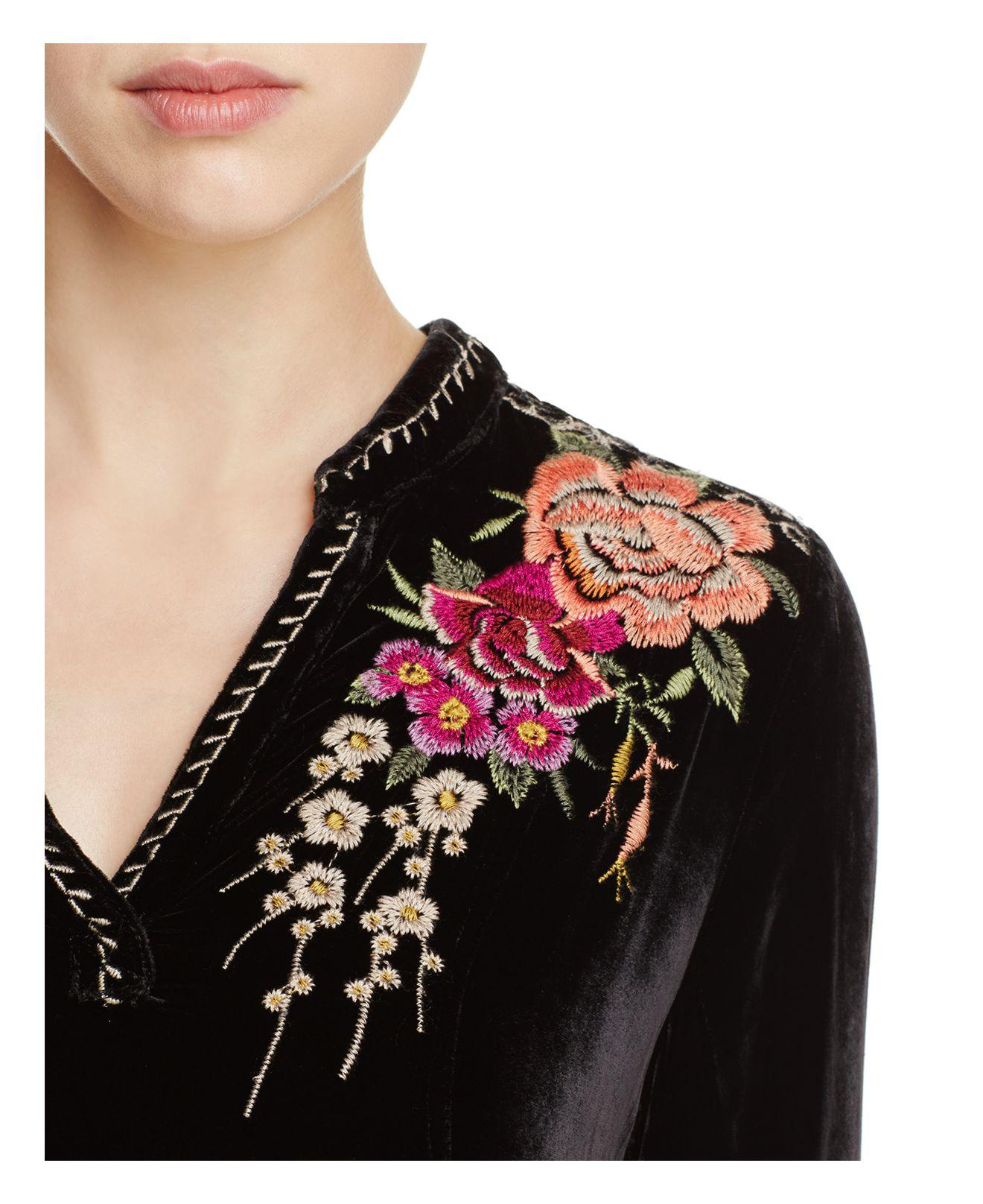 Johnny Was Embroidered Floral Velvet Tunic Top in Black - Lyst