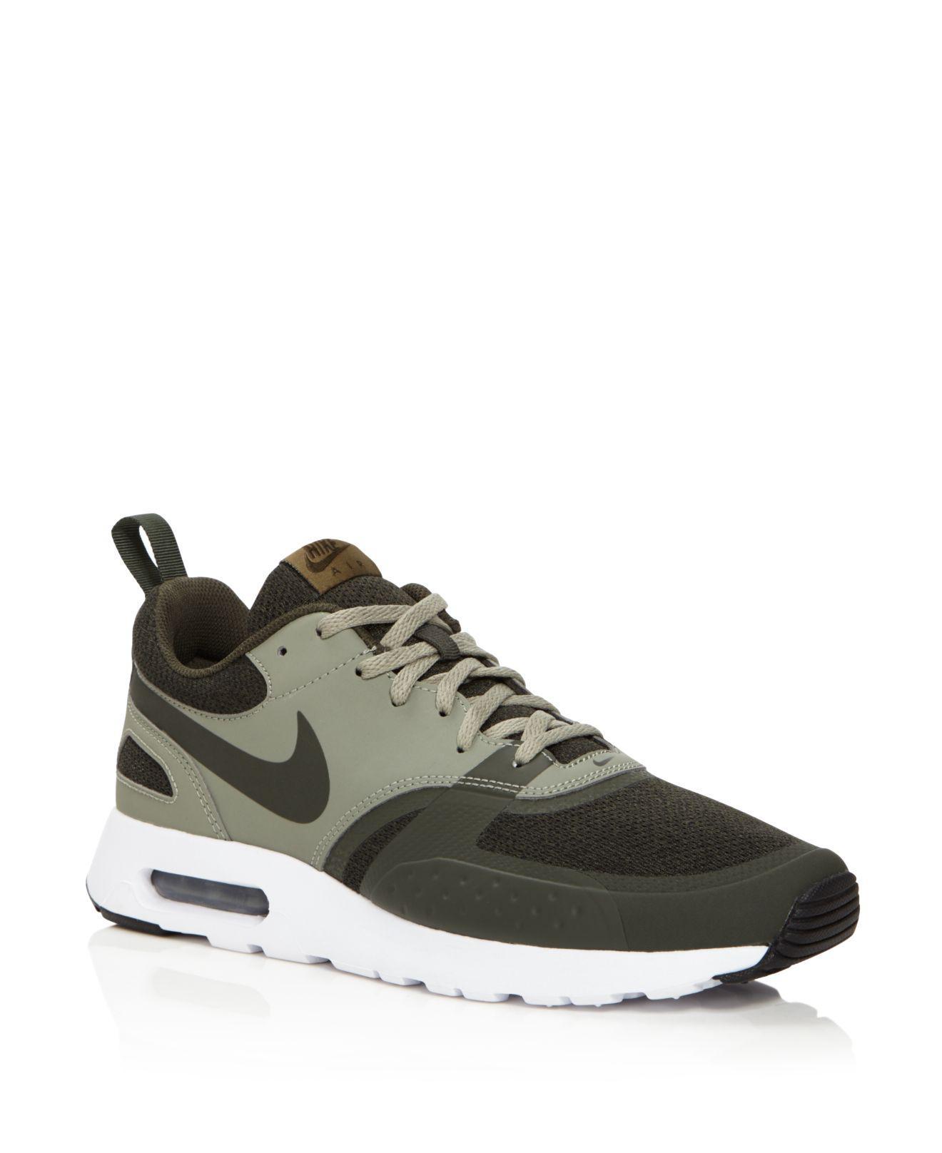 Nike Air Max Vision Se Low Top Sneakers in Green for Men - Lyst