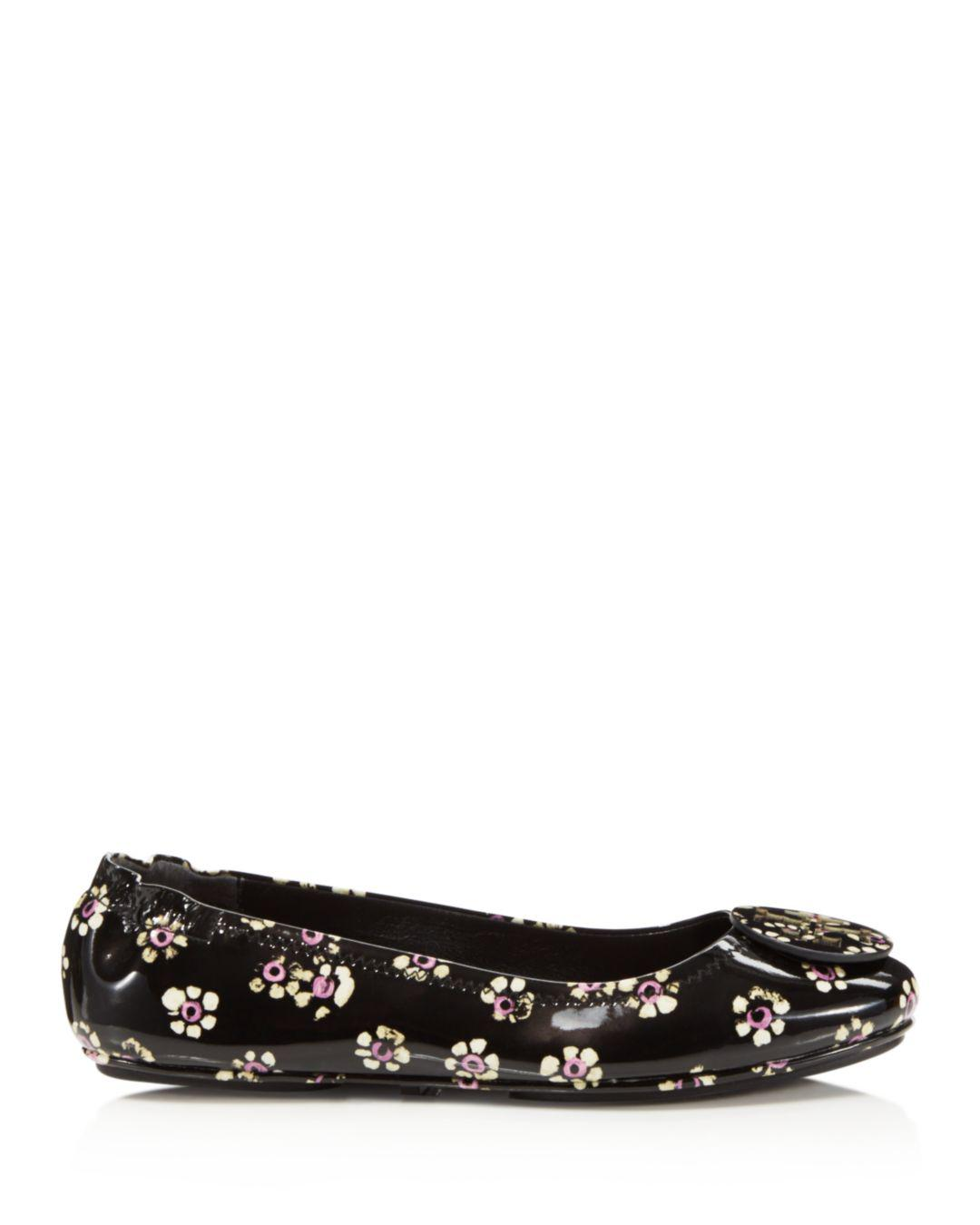 5ee4bbd4c Lyst - Tory Burch Women s Minnie Patent Leather Travel Ballet Flats in Black  - Save 60%