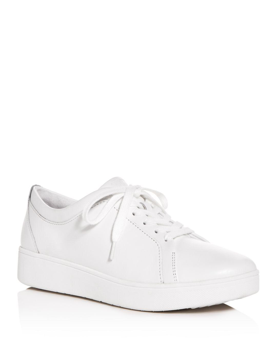 c660cab1d956 Lyst - Fitflop Women s Rally Low-top Platform Sneakers in White