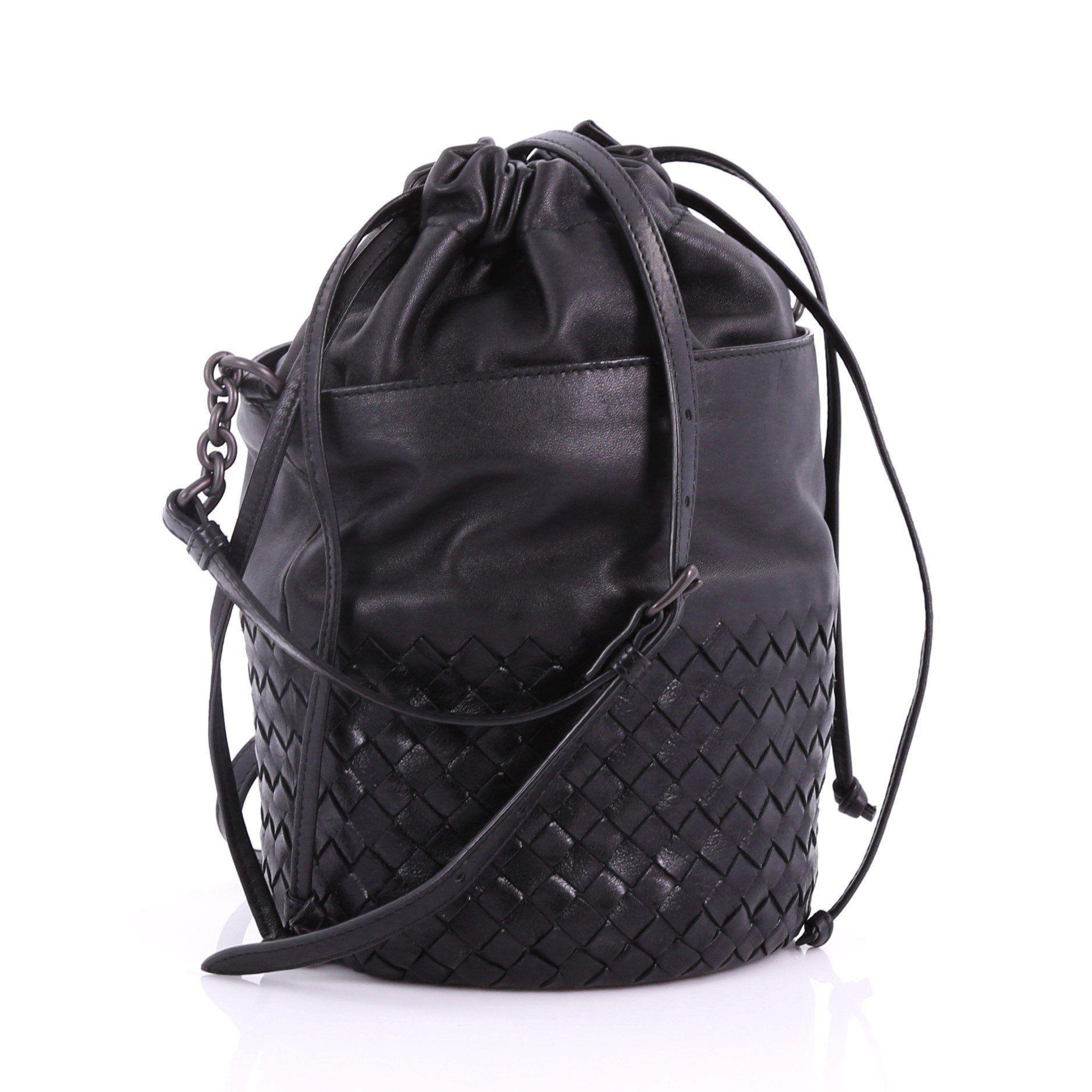 0b1a83d8b0e3 Bottega Veneta - Black Pre Owned Drawstring Bucket Bag Leather And  Intrecciato Nappa Small - Lyst. View fullscreen