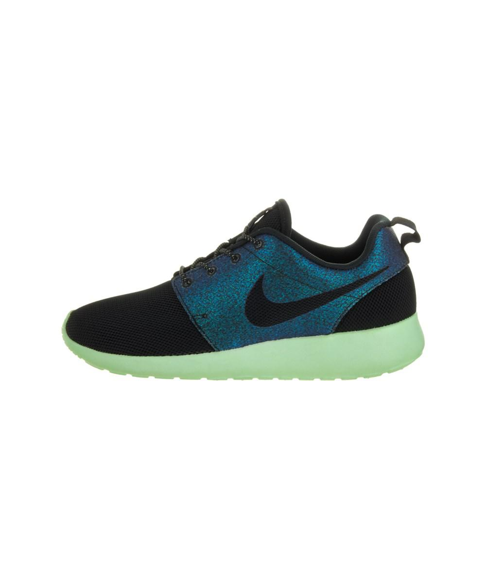 94c106e24ee2 Gallery. Previously sold at  Bluefly · Women s Nike Roshe Runs