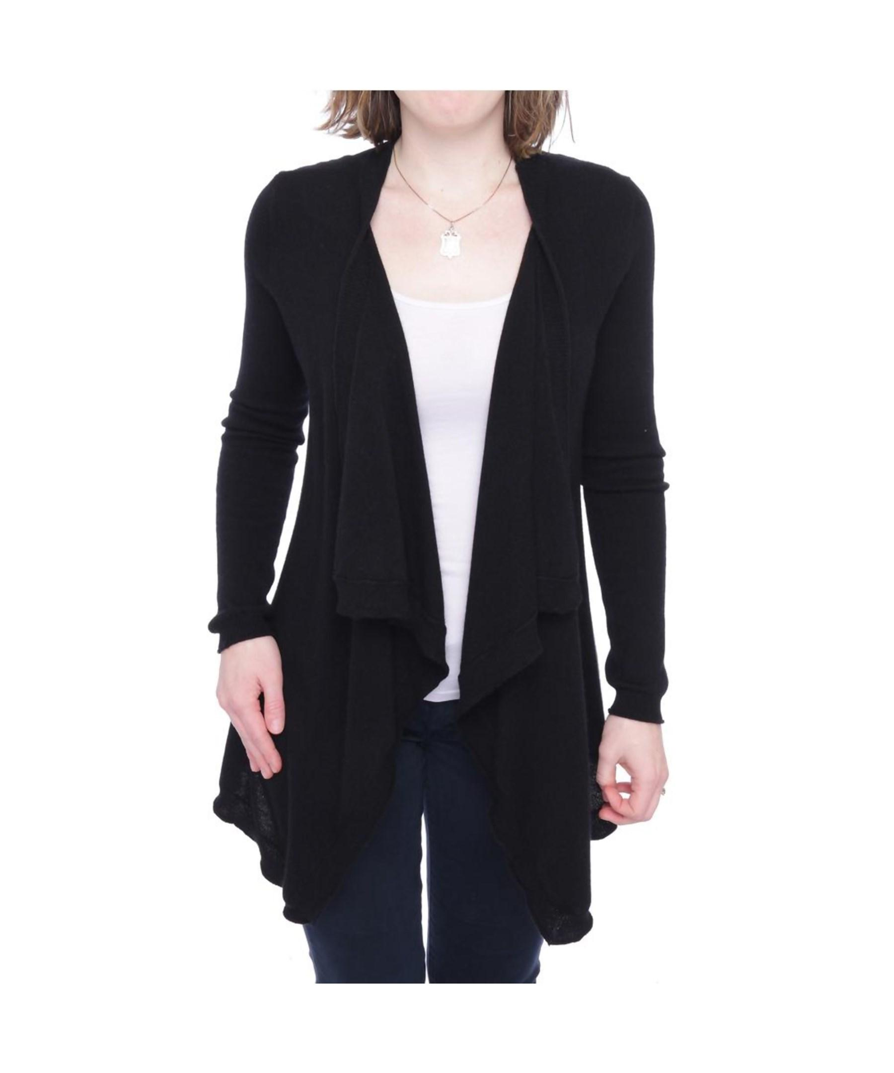 Try a mustard yellow cardigan, a navy cardigan, a maroon cardigan, a tan cardigan, or a white cardigan sweater on top of a black jumpsuit! We recommend cocoon cardigan sweaters for women that prefer a little volume in their outfit.