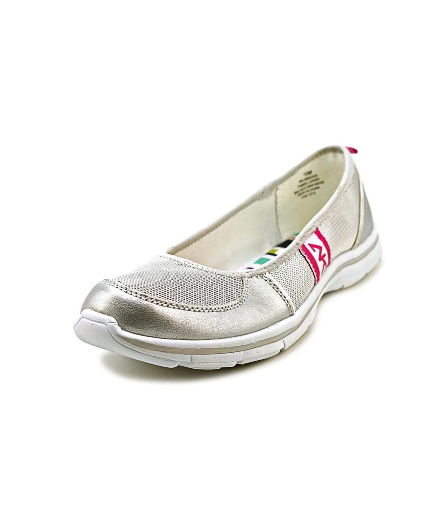 klein linwood toe canvas walking shoe in