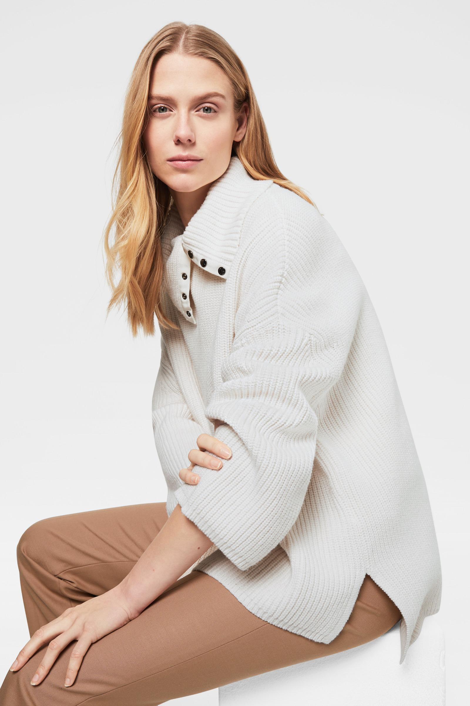 Insun Womens Fashion Faux Fur Collar Knit Batwing Sleeve Cardigan Poncho Cape