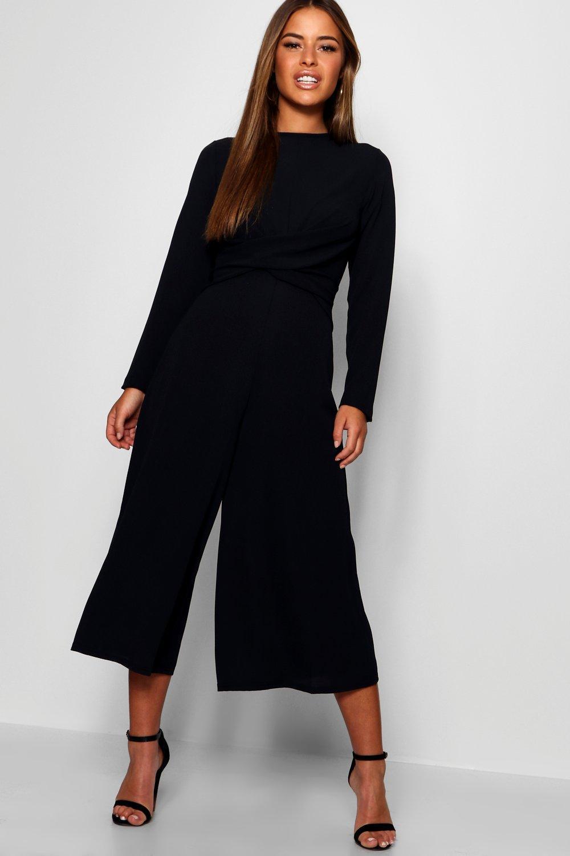 de0f8a6eb3f Boohoo Petite Knot Front Culotte Jumpsuit in Black - Lyst