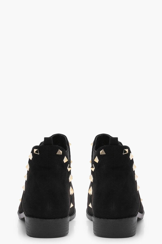 Boohoo Synthetic Millie Stud Detail Chelsea Boot in Black