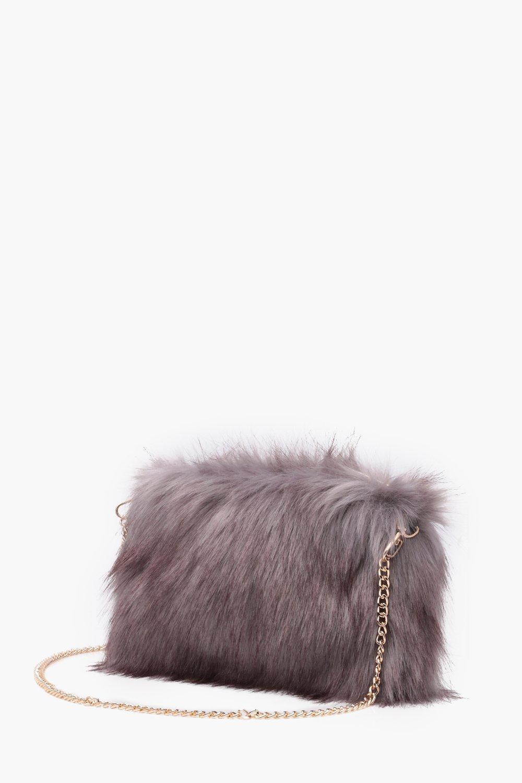 Boohoo Talia Faux Fur Cross Body With Chain Strap in Grey (Grey)