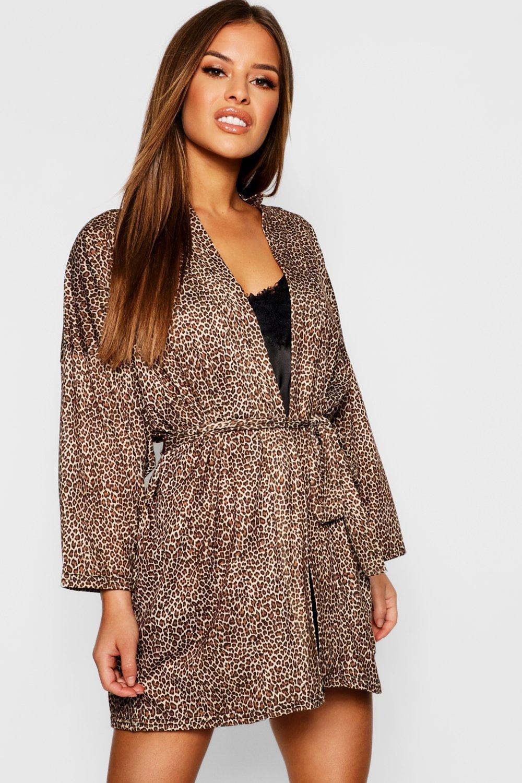 07906e656606 Lyst - Boohoo Petite Leopard Print Robe in Brown