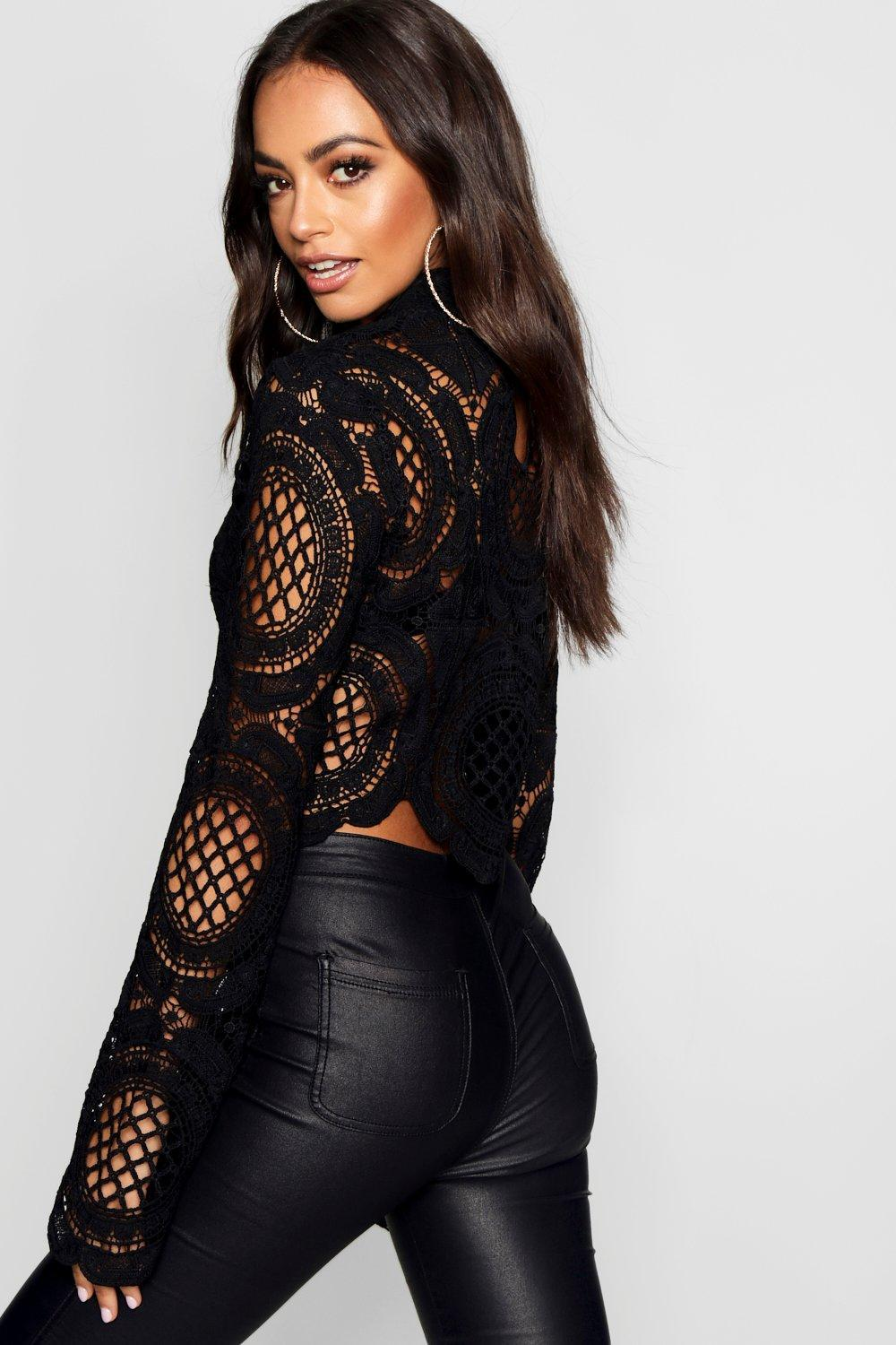 Lace Boohoo Neck in Black Turtle Crop Lyst Crochet D2WE9IeHY