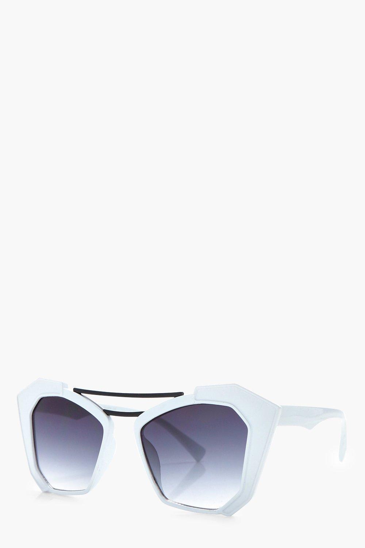 Boohoo Rachel Double Bar Statement Sunglasses in White