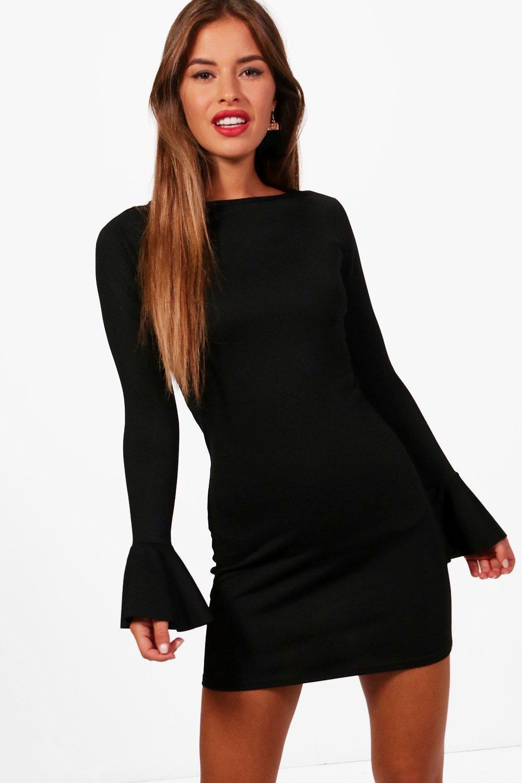 fd19be245b5c4 Boohoo Petite Rosa Ruffle Cuff Long Sleeve Shift Dress in Black - Lyst