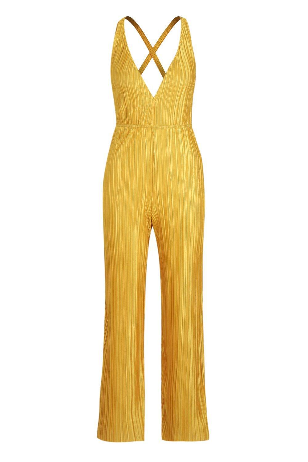 5ab195fd636a Lyst - Boohoo Petite Deep Plunge Plisse Jumpsuit in Yellow