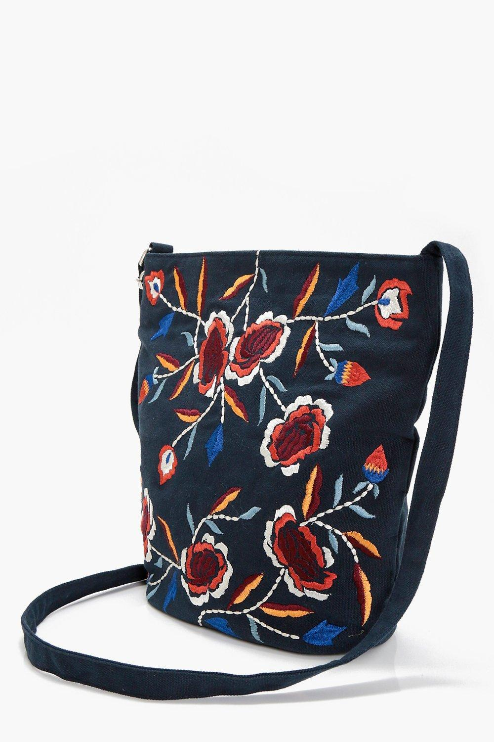 Boohoo Laura Embroidered Cross Body Bag in Navy (Blue)