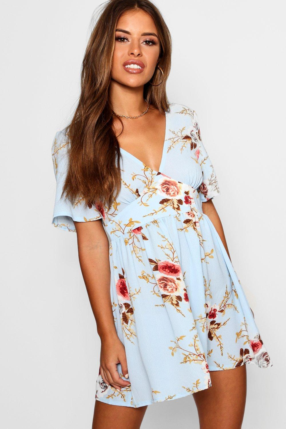 7217b959f0 Boohoo Petite Woven Floral Plunge Skater Dress in Blue - Lyst