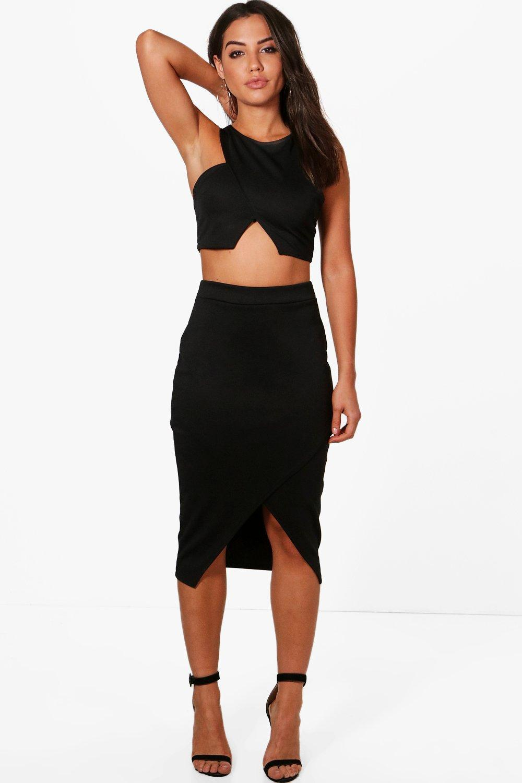 boohoo elise asymetric split front midi skirt in black lyst